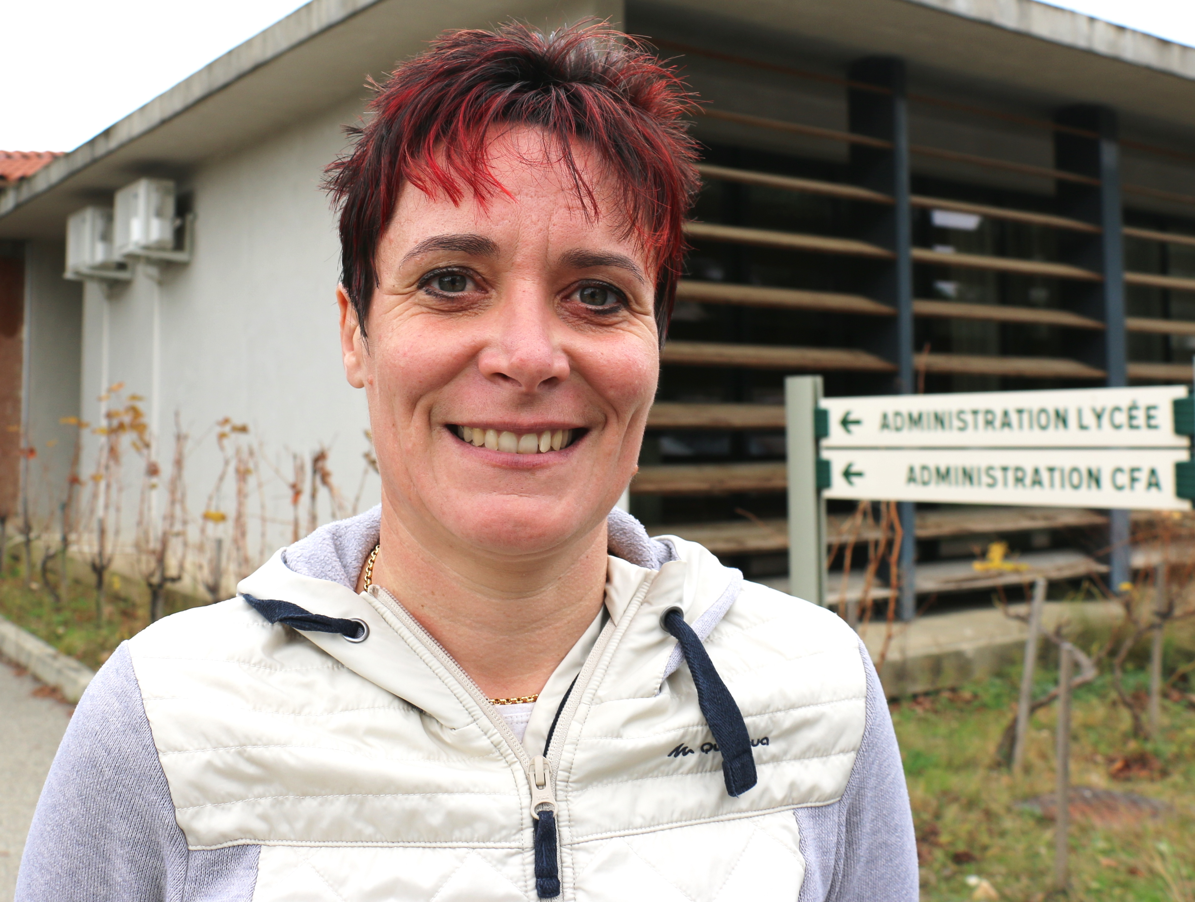 Copyright : Mélanie Kessler/CEA<br /> L&#039;exploitation agricole du Campus Louis-Giraud à Carpentras, dirigée par Isabelle Pèlegrin, accueille deux systèmes de traitement des effluents (dont un PhytoBarre) et permet de former les apprentis à la bonne gestion des effluents phytosanitaires sur l&#039;exploitation.